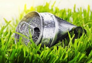 Aluminum-Can-On-Green-Gras