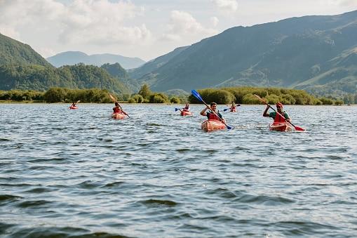 Group-Kayaking-On-A-Lake