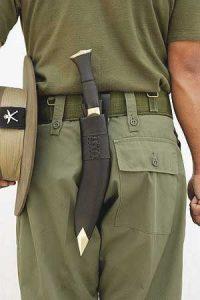 Kukri-Knife-Hanging-From-Belt