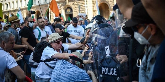 Riot-Crowd-Turned-Violent