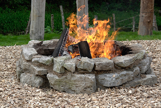 bonefire-fire-pit-with-smoke