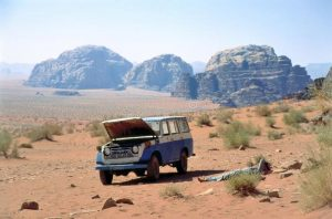 broken-down-vehicle-in-remote-desert