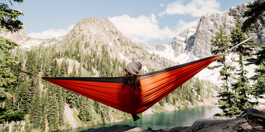 hammock-at-campsite-in-mountains