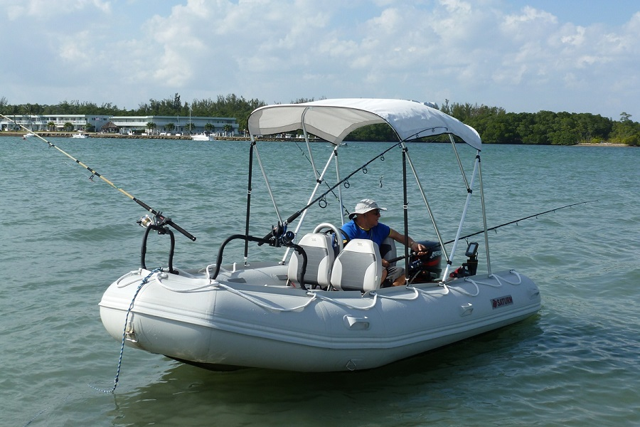 An-Inflatable-Boat-For-Fishing